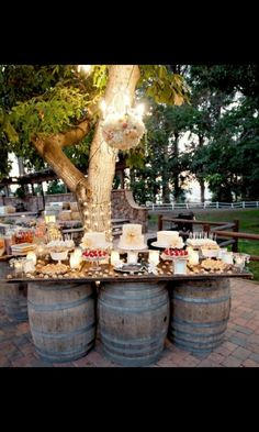 Cool food layout for wedding