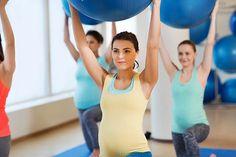 Pesquisa aponta que fazer atividades físicas durante a gestação aumenta a chance das filhos se tornarem mais ativos fisicamente depois do nascimento – e desse benefício se estender ao longo da vida. Saiba o porquê. Leia em: http://goo.gl/1MW6mh