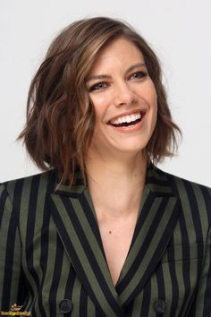 Lauren Cohan Batman Vs Superman Cast, Glen And Maggie, Beautiful Smile, Beautiful Women, The Walking Dead, Lauren Cohen, Maggie Greene, Beautiful Celebrities, In Hollywood
