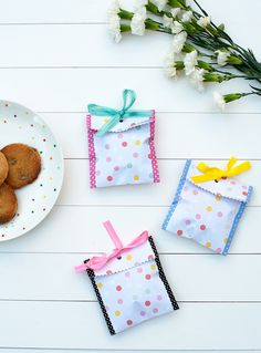 Wrap it Up: 30 Cute Cookie Wrappers to Buy or DIY via Brit + Co