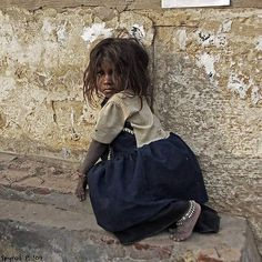 Terribleness of Poverty:-( Poor Children, Save The Children, Precious Children, Beautiful Children, Beautiful People, Mundo Cruel, Bless The Child, Baby Kind, My Heart Is Breaking
