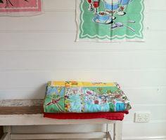 tea towel landscapes and other vintage material & stitched works Vintage Textiles, Vintage Quilts, Vintage Linen, Vintage Scarf, Vintage Tea, Vintage Style, Linen Towels, Tea Towels, Towel Crafts
