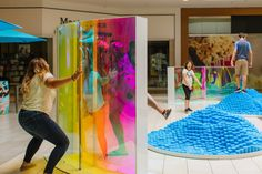 Playful reflections with dichromatic panels as a part of an immersive installation created for Westfield malls. Valencia Beach, Westfield Mall, Organic Water, Interactive Art, Public Art, Installation Art, Surface Design, Oasis, Urban