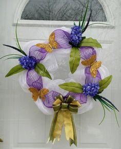 Easter Deco Mesh Wreath, Spring Deco Mesh Wreath, Summer Deco Mesh Wreath, Purple Hyacinth Deco Mesh Wreath, White Deco Mesh Wreath - pinned by pin4etsy.com