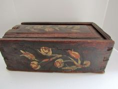 EARLY 19TH C. FLORAL DECORATED SLIDE LID CANDLE BOX, original polychrome decoration