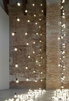 Decoratie - met misschien lampen, kerstverlichting, simpele normale dingen