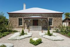 Peekskill - Fabulous Old Stone House in Clyde, Central Otago District | Bookabach.co.nz/24869