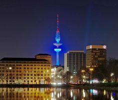 """Der Fernsehturm in #Hamburg, eigentlich """"Heinrich-Hertz-Turm"""""""