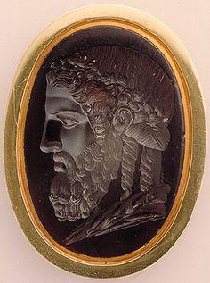"""Gillas, """"Head of Olympic Zeus of Phidias,"""" sardonyx, 1st Century BCE (Hermitage)"""