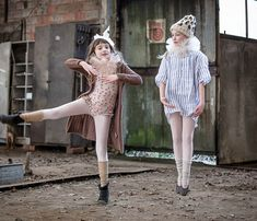 Bailarinas DIY Disfraces de bailarina DIY ¡Sólo es cuestión de imaginación! disfraces de niña, disfraces vintage disfraces carnaval Fashion Photo, Fashion Art, Girl Fashion, Diy Disfraces, Dark Circus, Dress Up Costumes, Vintage Circus, Beauty Editorial, Cute Kids