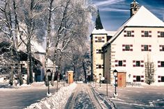Zell Am See, To Go, Hotels, Winter Wonderland Christmas, Austria, Trip Advisor, Wedding Venues, Street View, Travel