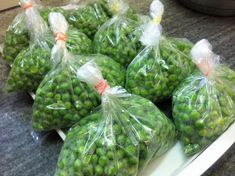 How To Blanch Freeze & Preserve Green Peas Recipe In Hindi - How To Store Green Peas For Long