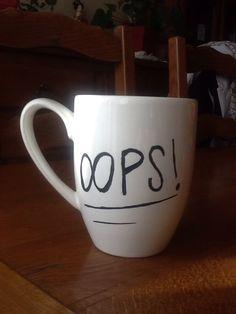 Ce mug en céramique blanc ravira les fans de Louis Tomlinson du groupe one direction...  OOPS tatouage  Louis tomlinson   * couleur *  -noir -blanc   NE PAS ME METTRE AU MAVE VAIS - 19338688
