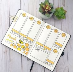 40 More Stunning bee and honey bullet journal spreads bullet journaling Bullet Journal Spreads, April Bullet Journal, Bullet Journal Weekly Layout, Bullet Journal Notebook, Bullet Journal Ideas Pages, Bullet Journal Inspo, Bellet Journal, Planner 2018, Week Planner