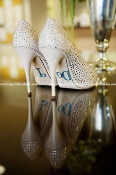 wedding shoes. With my rhinestone setter I should actually be able to do this !!