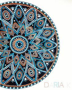 55 отметок «Нравится», 2 комментариев — Daria (@daria_k506) в Instagram: «Тарелочка в технике #pointtopoint #dariadots #mandala #dots #dotsart #decor #homedecor #мандала…» Mandala Canvas, Mandala Artwork, Mandala Tapestry, Mandalas Painting, Mandalas Drawing, Painting The Roses Red, Dot Art Painting, Mandala Rocks, Mandala Design
