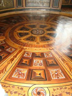 glorious floor inlay (marquetry at its best)