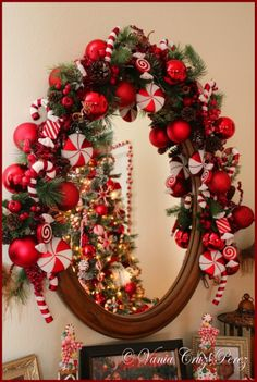 use of candy cane decorations makes this sway adorable!
