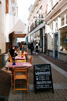 5 hotspots in Den Bosch Amsterdam Photography, Street Photography, Cafe Restaurant, Beautiful Places, Holland, Countries, Photo Ideas, Om, Restaurants