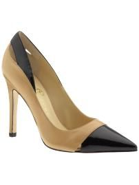 classic and elegant. a shoe like this will never go out of style!