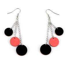 Pallomeri-korvakorut - LOISTO  Käy omasi tästä: Ihanat Pallomeri-korvakorut ovat veikeä lisä tyyliisi ja ne ovat myös ihastuttava, persoonallinen lahja ystävällesi! Korun koko on noin 6 cm. Pallojen halkaisijat ovat 14 mm, 16 mm ja 18 mm.  #samaskoru #korut #korvakorut Drop Earrings, Jewelry, Jewellery Making, Jewelery, Drop Earring, Jewlery, Jewels, Jewerly, Dangle Earrings