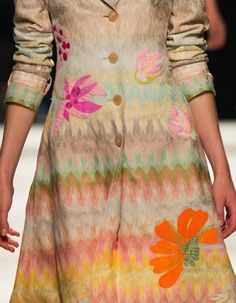 patternprints journal: PRINTS, PATTERNS AND SURFACE EFFECTS: BEAUTIFUL DETAILS FROM MILAN FASHION WEEK (WOMAN COLLECTIONS SPRING/SUMMER 2015) / 10