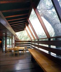 """The 2009 movie """"A Single Man"""" starring Colin Firth was filmed in Glendale at this midcentury modern house built by architect John Lautner in Architecture Details, Interior Architecture, Classical Architecture, John Lautner, Jungle House, Mountain Cottage, Famous Architects, Single Men, Interiores Design"""
