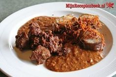 Ajam Rendang hati ampela (kippenlever en maagjes in kokossaus) Crock Pot Slow Cooker, Slow Cooker Recipes, Beef Recipes, Healthy Recipes, Crockpot Meals, Healthy Foods, Recipies, One Pot Meals, Easy Meals