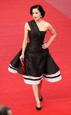 Dita von Teese attends the Inglourious Basterds Premiere held at the Palais Des Festivals during the 62nd International Cannes Film Festival
