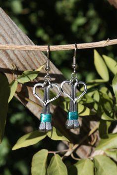 Heart-shaped horseshoe nail earrings