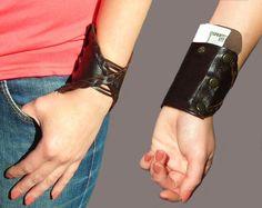 Wrist wallet, cool idea. <3