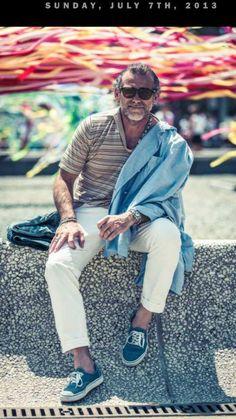 #alessandrosquarzi #showroomalessandrosquarzi 50 Fashion, Street Fashion, Fashion Ideas, Men Over 50, Toms Style, White Trousers, Canvas Sneakers, Stylish Men, Style Icons