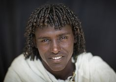 Egyptian Hairstyles, African Hairstyles, Afro Hairstyles, Haircuts, Africa Tribes, Dark Skin Models, Eric Lafforgue, Tribal People, We Are The World