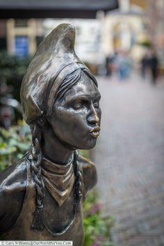 The kissing girl, Alkmaar, Holland, Netherlands