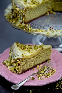 Pistachio-White Chocolate Cheesecake - New ideas Pistachio Cheesecake, Pistachio Recipes, Cheesecake Tarts, White Chocolate Cheesecake, Cheesecake Desserts, Cookie Desserts, Quick Dessert Recipes, Fruit Recipes, Desert Recipes