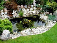 Kleiner Gartenteich