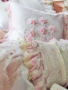 Beautiful Shabby Chic Pillows! I love the layering of texture. And the soft tones are so restful and sweet <3