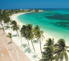 San Andres, Colombia this is an example of weather colombia has and why people adapt to the weather by wearing light cothes
