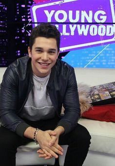 Austin Mahone, U R soo handsome with dark eyes and lovely dark hair and very romantic too. ♥♥♥♥♥
