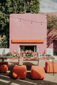 throwback wedding table decor for your desert themed wedding Restaurant Design, Design Hotel, Mid Century Lighting, Hotel Decor, Mid Century Furniture, Modern Interior Design, Diy Bedroom Decor, Beautiful Homes, Table Decorations