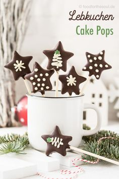 Zuckersüße Lebkuchen Sterne Cake Pops ohne Cake Pop Maker warten auf dich! #cake #pops #cakepops #ohne #maker sterne #lebkuchen #rezept #weihnachten #xmas My Recipes, Holiday Recipes, Italian Recipes, Cake Pops, Cake Pop Maker, Gingerbread Cake, Cupcakes, Food Stall, Wonderful Recipe