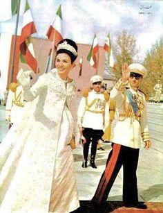 Iran in the Farah Diba, Guy Laroche, Adele, Persian Princess, Pahlavi Dynasty, The Shah Of Iran, Persian Culture, Iranian Women, Royal Jewels