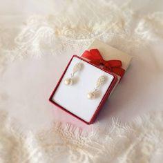 small drop pearl earrings, small earings, delicate earrings, bride small earrings, pearl small earrings, wedding earrings