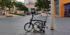 Bicicleta Brompton, Sidewalk, Bicycle, Bike, Bicycle Kick, Side Walkway, Walkway, Bicycles, Walkways