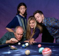 Dick, Tommy, Sally and Harry in TV-show '3rd rock from the Sun'.