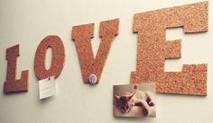 Bacheca Love per San Valentino #diy #homemade http://paperproject.it/rubriche/diy/things-to-do/love-sughero/