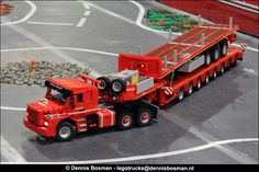 https://flic.kr/p/NmKTgW | LEGO World 2016 | The Scale Modelers Association at LEGO World 2016 Paul van Loo did a nice job with this T143 and trailers.