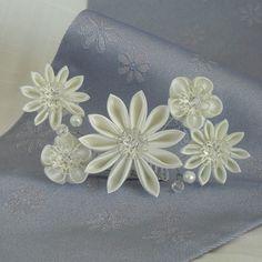 Customizable White Bridal Tiara Kanzashi Wedding by kittykanzashi, £34.00