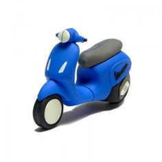 Funny silicon USB flash drive inspired to new model of Vespa Primavera. Capacity 4 GB. Color blue. Packeged in cardboard box of cm 14 x10 x 3.