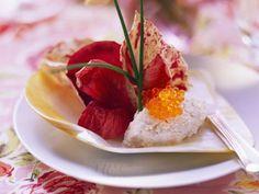 Lachsmousse mit Radicchiosalat ist ein Rezept mit frischen Zutaten aus der Kategorie Meerwasserfisch. Probieren Sie dieses und weitere Rezepte von EAT SMARTER!